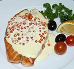 Нежный стейк из семги в сливочно-икорном соусе