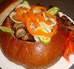 Шашлык из свинины с овощами в хлебе