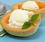 Десерт фруктовый в дыне